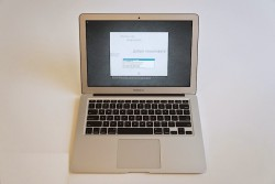Laptop cũ MacBook Air 13 inch MD760